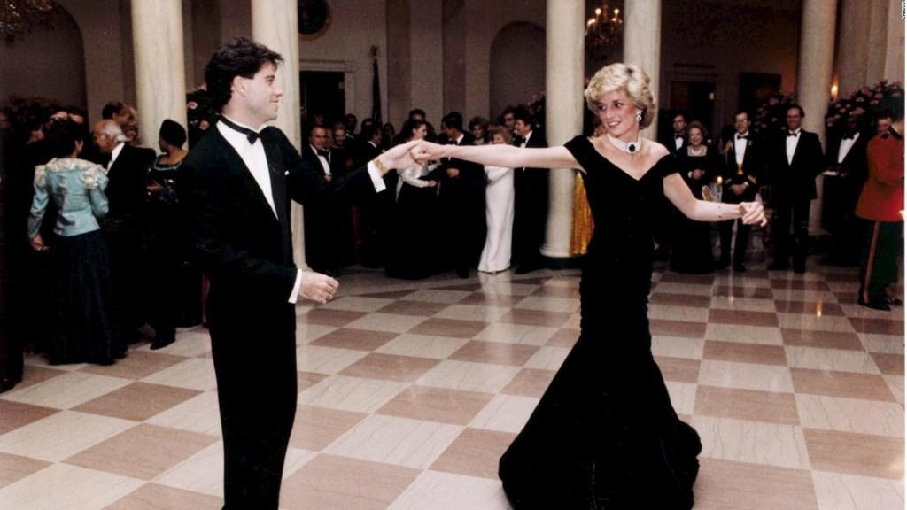 Un icónico vestido de Lady Di fue subastado por US$ 280.000