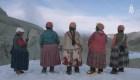 Las Cholitas escaladoras quieren subir al Everest