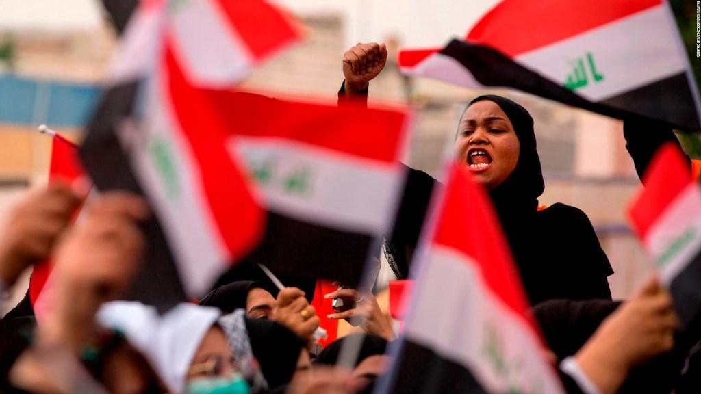 Los iraquíes protestan contra su Gobierno e Irán
