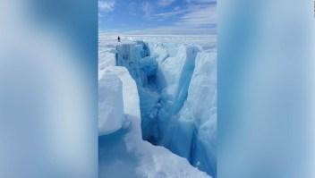 Una cascada en Groenlandia preocupa a los investigadores