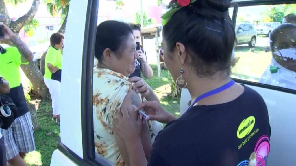 Samoa redobla su programa de vacunación esta semana, ante un brote de sarampión que ha matado a más de 50 niños en la isla.