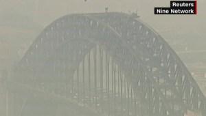 Sydney cubierta por humo tóxico tras incendios forestales
