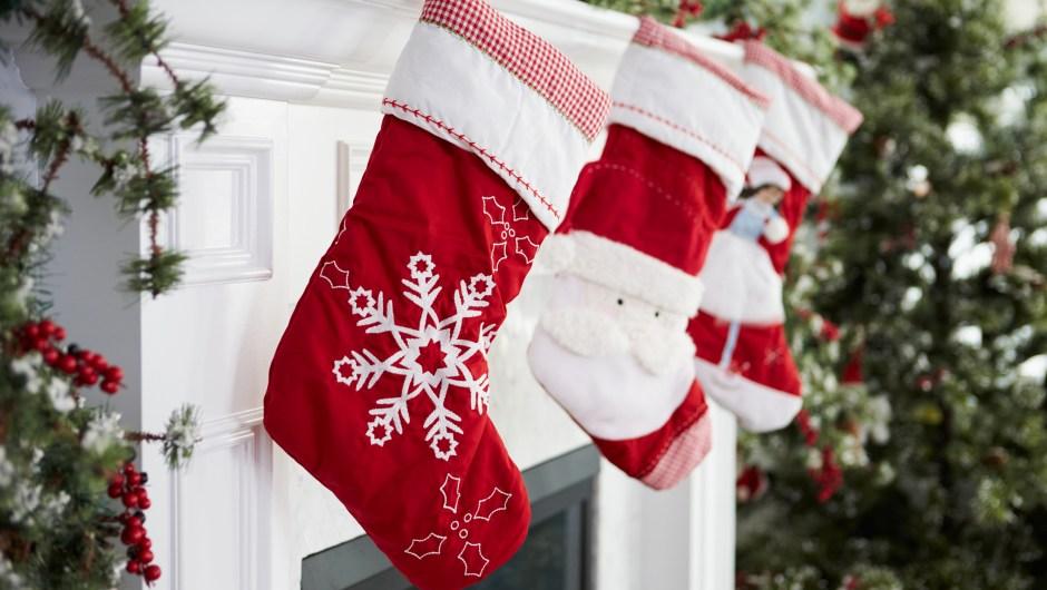 37 regalos de menos de $15 perfectos para llenar los calcetines navideños