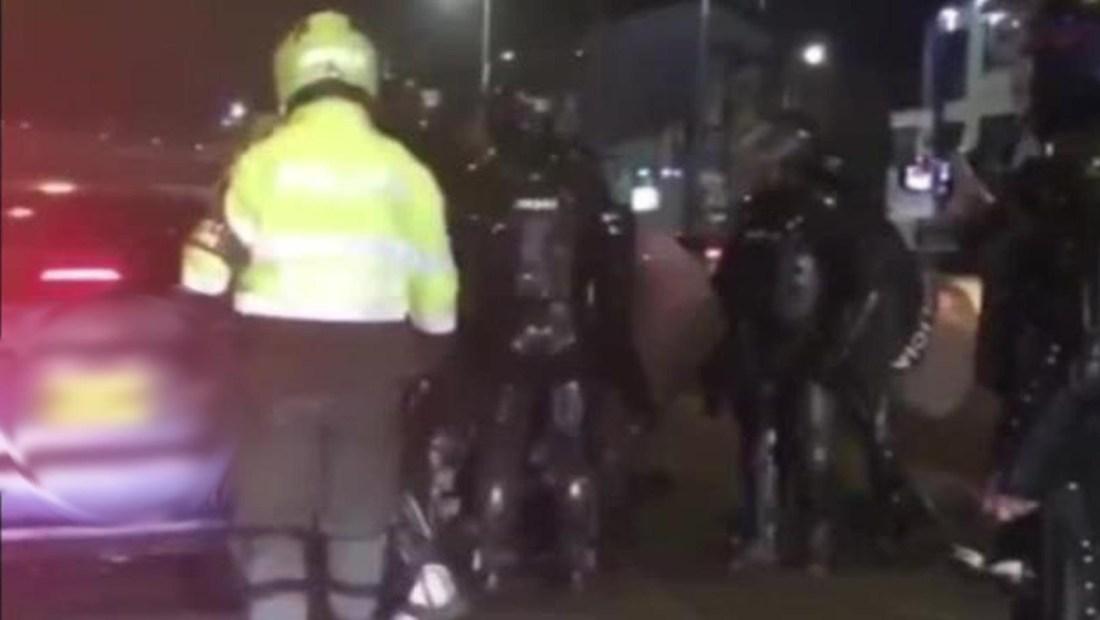 Policía y ESMAD, en la mira por detención con autos sin marcas