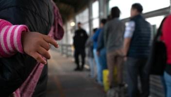 Más 1.300 personas migran cada día