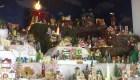 Un pesebre de miles de figuritas, tradición de una colombiana