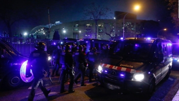 El Clásico: así se desplazó la seguridad afuera del Camp Nou previo al juego
