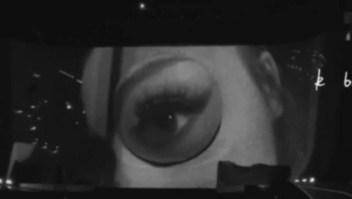 Ariana Grande despideel año con disco nuevo