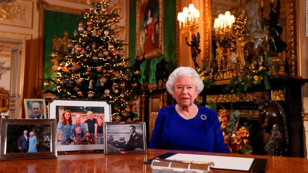 La reina Isabel II pide reconciliación por Navidad