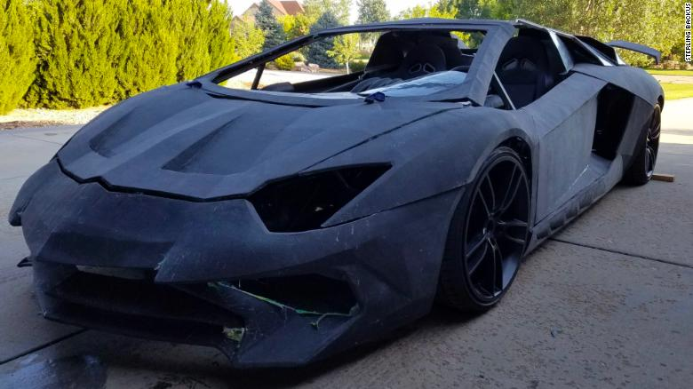 Un Lamborghini Aventador real cuesta casi US$ 500.000.