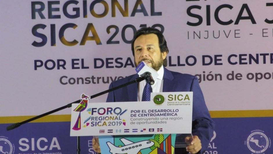 Felix Ulloa vicepresidente el Salvador