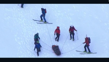 Adolescente cae 150 metros en el Monte Hood y sobrevive