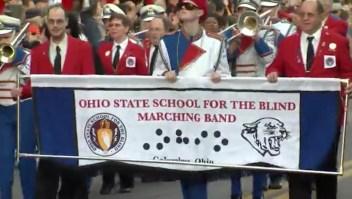 Banda de música de ciegos se presenta en desfile de Nochevieja