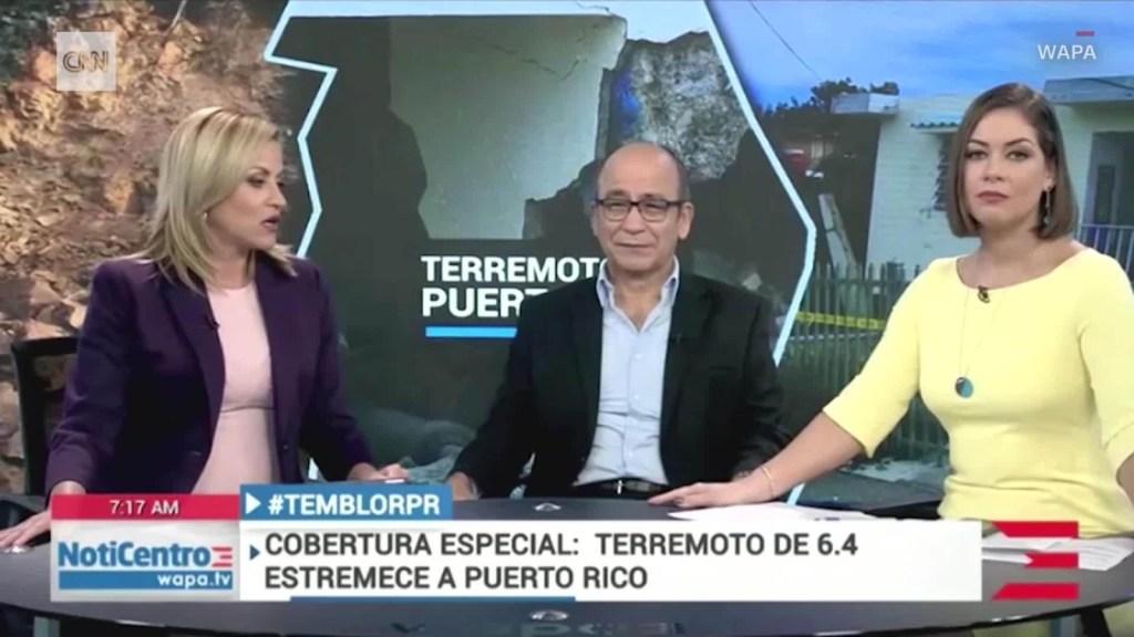 Periodistas huyen de estudio en vivo durante el sismo
