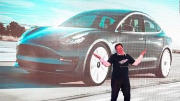 Breves económicas: Tesla rompe récord en Wall Street