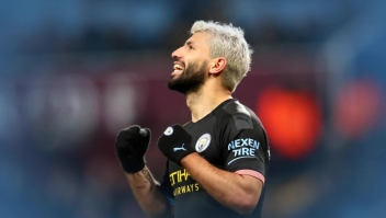 """El """"Kun"""" Agüero, máximo goleador extranjero de la Liga Premier"""
