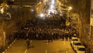 ¿Se le complica la situación al gobierno iraní?