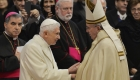 Benedicto XVI termina con la polémica sobre el celibato