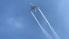 Avión derrama combustible sobre escuelas y deja 60 heridos