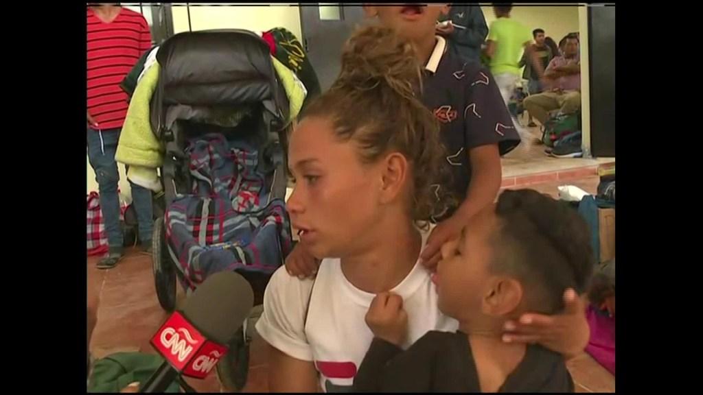 Camina en la caravana por su hijo con parálisis cerebral