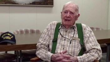 EE.UU.: Topógrafo se jubila a los 102 años
