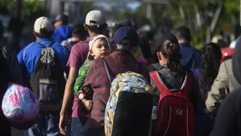 Caravana de migrantes intenta llegar a México