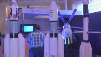 India presenta al robot humanoide Vyommitra