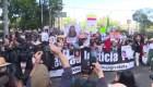 Familias salen a la calle marchando contra la violencia