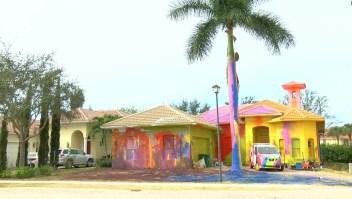 Vecinos demandarán a quien pintó esta casa