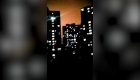 """""""¡Ánimo, Wuhan!"""": gritan en la ciudad cerrada por el coronavirus"""