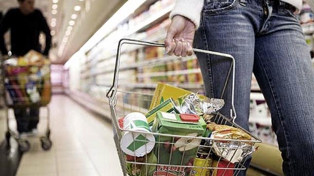 Tras el 53, 8% de inflación en 2019, anticipan que el índice de enero rondaría el 3%. (Foto de Télam).