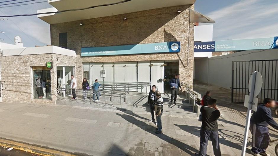 """Robo en el Banco Nación: aseguran que """"en Argentina casi nadie invierte en seguridad"""". (Foto de Télam)."""