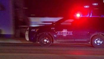 Al menos 1 muerto y 15 heridos en tiroteo en Kansas City, según la policía