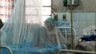 Un paciente con dengue es tratado en el hospital de Nemby, Paraguay, el 20 de enero de 2020. Crédito: NORBERTO DUARTE / AFP a través de Getty Images