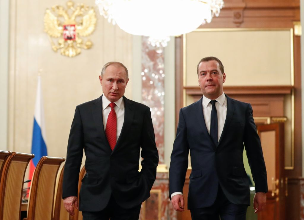 ¿Por qué renunció el gabinete de Vladimir Putin?
