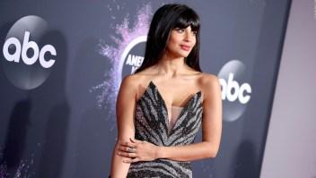 "Jameela Jamil dice que se identifica como ""Queer"""