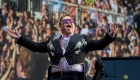 La lluvia obliga a Elton John a cancelar un concierto