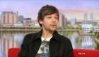 Molesto Louis Tomlinson por preguntas en entrevista de BBC