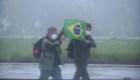 Brasileños huyen del epicentro del coronavirus