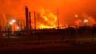 5 cosas para hoy: Incendio en refinería de Exxon, Lenín Moreno visita EE. UU. y más