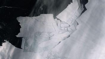 Un iceberg gigante se desprendió de glaciar en Antártica