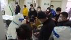 Wuhan: residentes con posibles síntomas de coronavirus piden ayuda