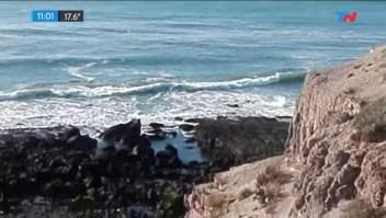 Violan a una mujer y tiran a su hijo por un acantilado en Argentina