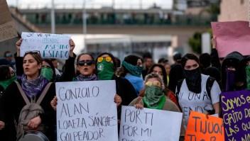 5 cosas para hoy: Feminicidio en México, ataques aéreos en Siria y más