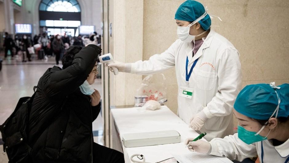 """Coronavirus: aseguran que afuera de China la transmisión """"es bastante limitada"""". (Foto de Télam)."""