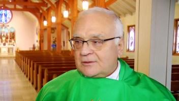 Un sacerdote católico en Rhode Island sugiere que el aborto es más atroz que la pedofilia.