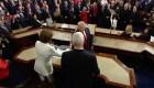 Trump deja a Pelosi con la mano tendida antes de su discurso del estado de la Unión