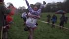 Reino Unido celebra el XIII campeonato de esposas a cuestas