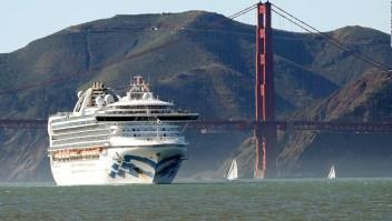 21 casos positivos en un crucero varado en alta mar