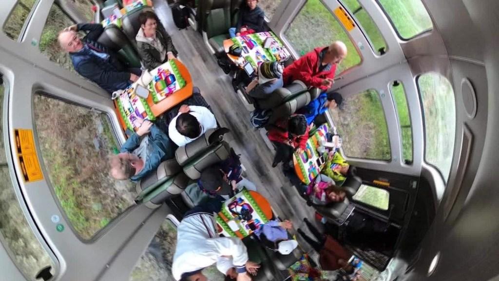Un tren panorámico a Machu Picchu